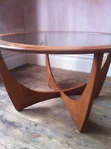 Beautiful Vintage Rustic Round Circular Coffee Table Made With Solid Reclaim Wood (View 3 of 10)