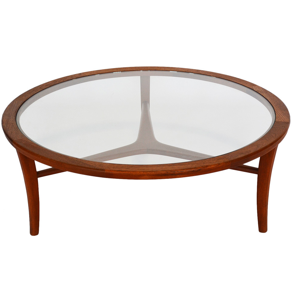 Coffee-Tables-Modern-Glass-Top-I-simply-wont-ever-be-able-to-look-at-it-in-the-same-way-again (Image 4 of 9)