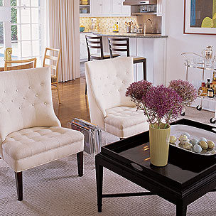 Good Glass Coffee Table Decorating Ideas An Alternative To Flowers Is To Add A  Large Candle In