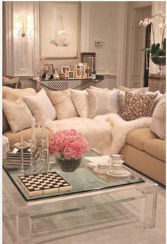 Glass Coffee Table Decorating Ideas Modern Clear Bent Glass Rectangular Coffee Table Strada Modern Interesting Glass Coffee Table Can Be Of Unusual Style (View 5 of 10)