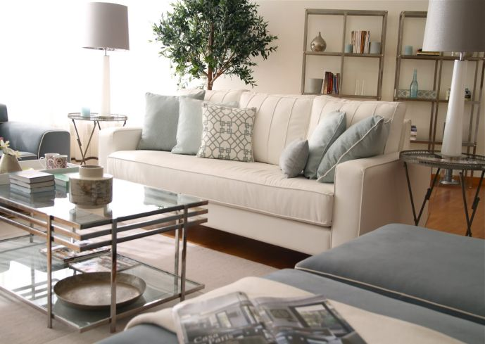 Glass Coffee Table Decorating Ideas You Keep Your Things Organized And The  Table Top Clear The