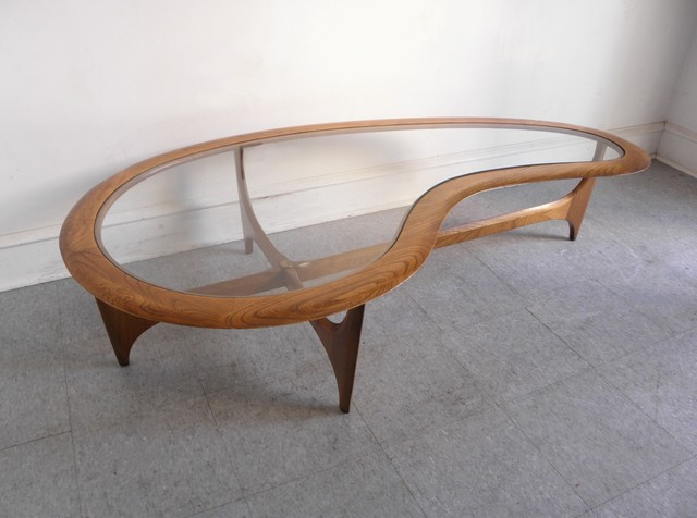 Kidney-Shaped-Glass-Coffee-Table-I-simply-wont-ever-Modern-minimalist-industrial-style-rustic-wood-furniture-be-able-to-look-at-it-in-the-same-way-again (Image 4 of 9)