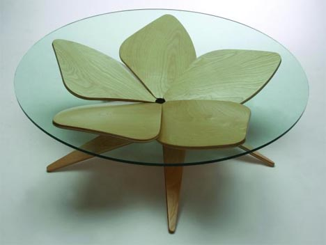 Lift-Top-Ottoman-Coffee-Table-by-Shige-Hasegawa-is-impressively-attractive-even-at-first-glance-before-you-realize-how (Image 4 of 10)