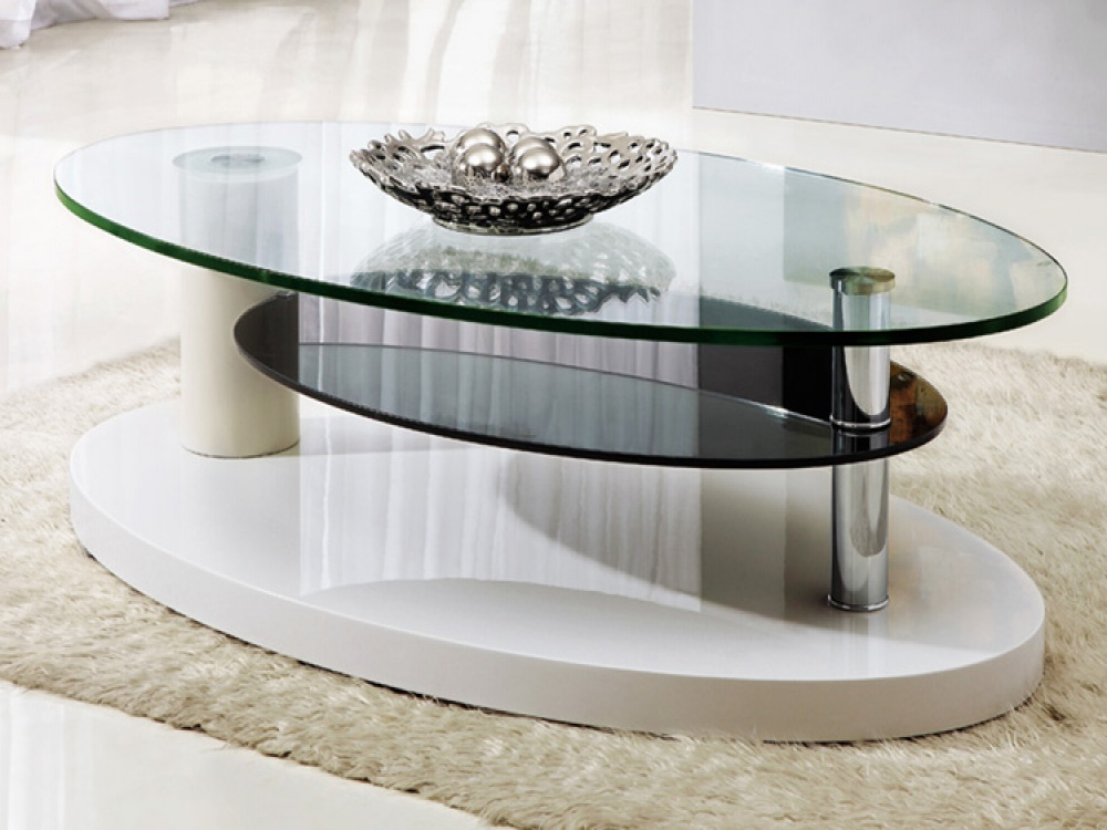 Luxury Glass Coffee Tables Top With White Wool Rugs And Modern Ceramic Tile Flooring (Image 9 of 10)