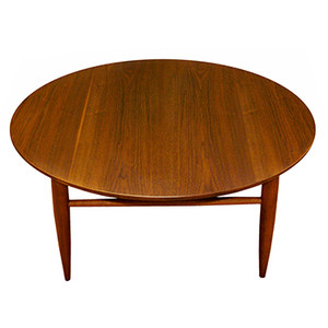 Danish Modern La Vintage Round Walnut Coffee Table Round Coffee Table Medium Walnut Finish Round Walnut Coffee Table (Image 3 of 10)