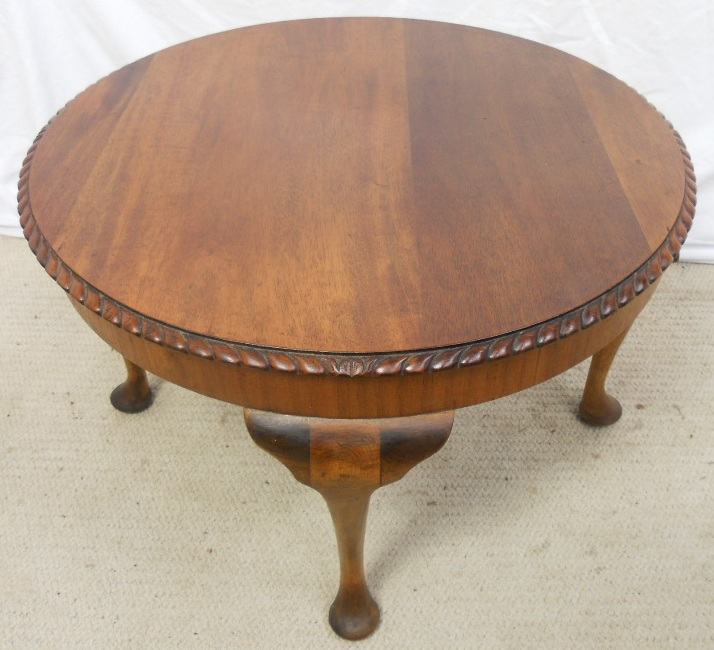 Mahogany Round Queen Anne Style Coffee Table Mahogany Round Coffee Table Round Tables And Solid Mahogany Occasional Tables (View 5 of 10)