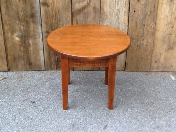 Maple Small Round Shaker Coffee Table Occasional Tables Small Round Coffee Tables Coffee Sofa And End Tables (View 6 of 10)
