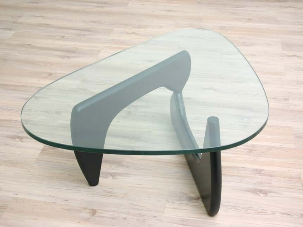 noguchi-glass-coffee-table-was-an-american-sculptor-who-viewed-himself-as-a-travelling-internationalist-he-produced-many-recognized (Image 9 of 10)