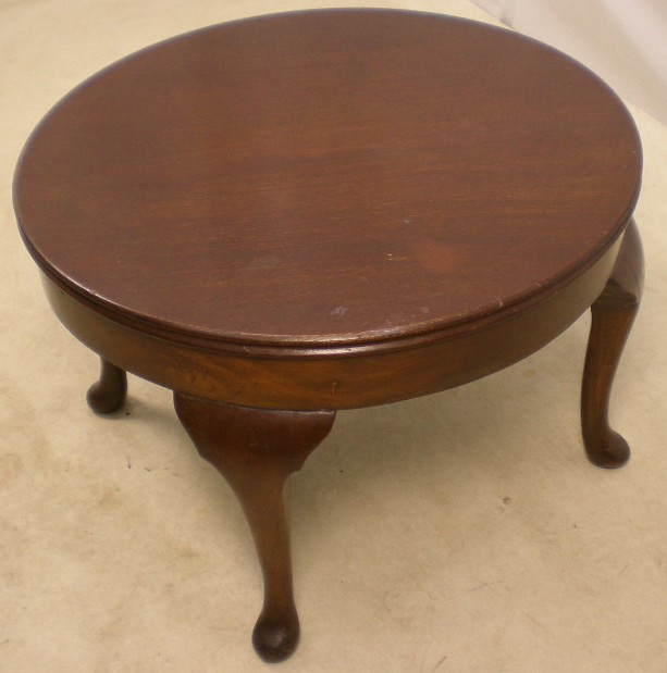 Queen Anne Style Round Mahogany Coffee Table Mahogany Round Coffee Table Hand Carved Mahogany Round Tables Furniture (View 9 of 10)
