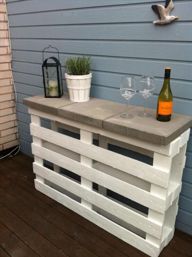 15 Creative Uses For Wood Pallets Simplemost effectively inside Patio Sofa Tables (Image 1 of 20)