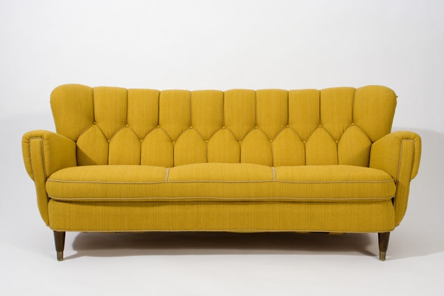 Featured Photo of 1930s Couch