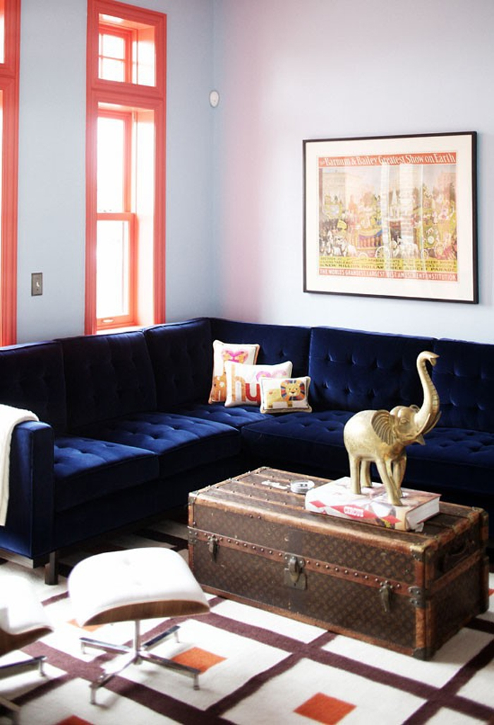 21 Different Style To Decorate Home With Blue Velvet Sofa Certainly With Dark Blue Sofas (View 4 of 20)