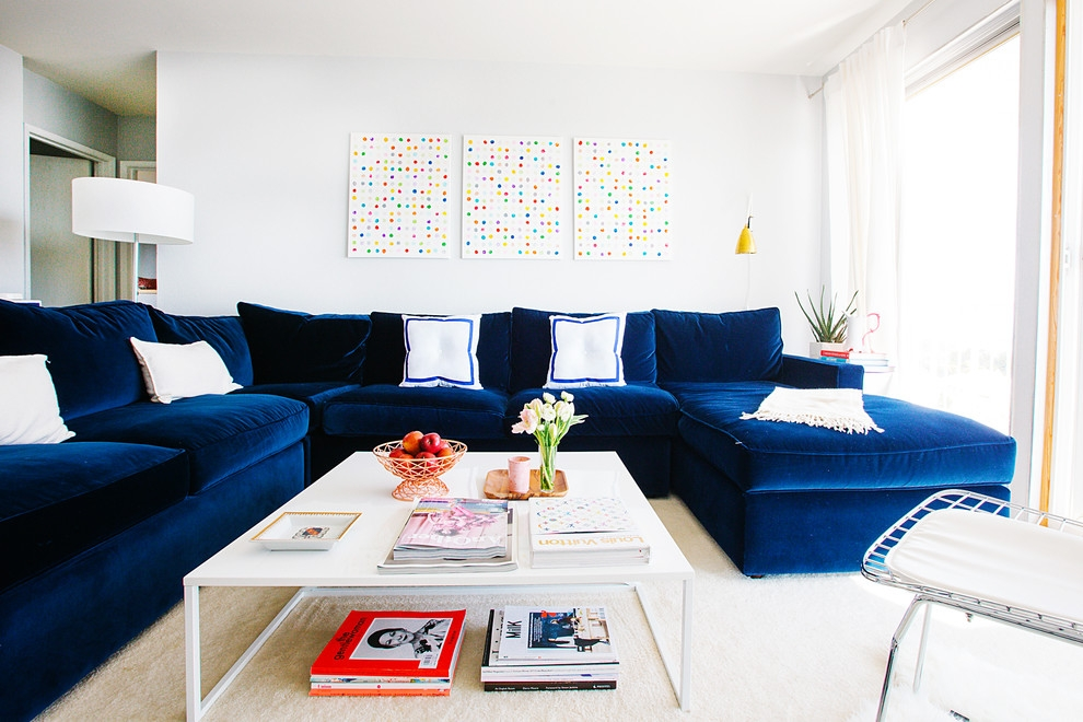 21 Different Style To Decorate Home With Blue Velvet Sofa Properly Pertaining To Dark Blue Sofas (View 6 of 20)