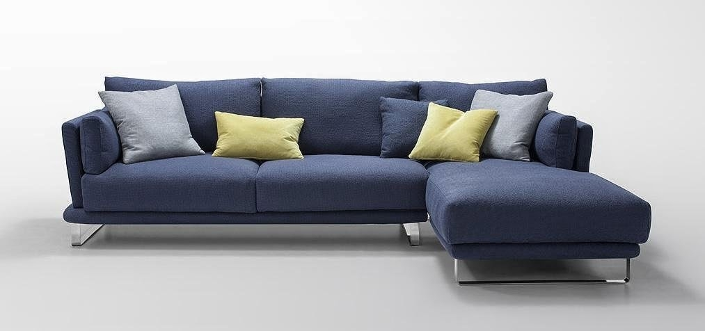 Blue Couch Nicely With Dark Blue Sofas (View 17 of 20)