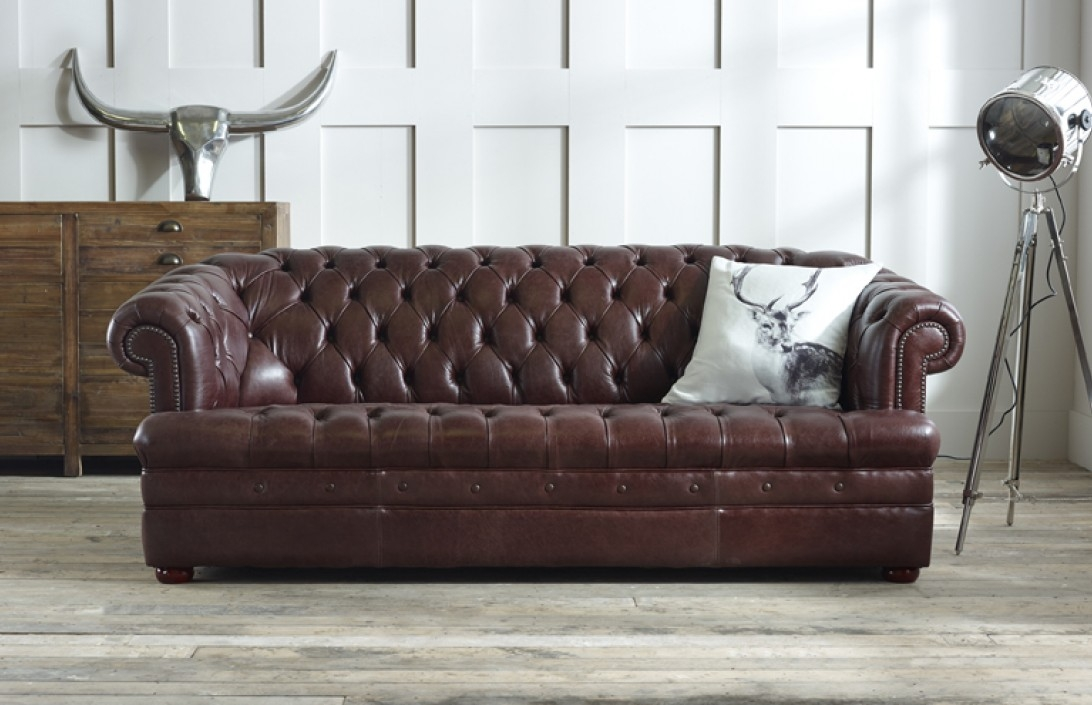 Chesterfield Sofas And Chesterfield Sofa Designs clearly in Leather Chesterfield Sofas (Image 9 of 20)