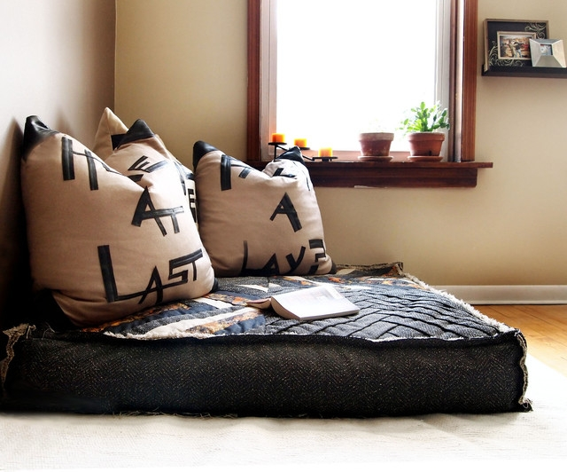 Comfortable Floor Cushions For Relax Home Decorating Ideas Good Throughout Comfortable Floor Seating (View 11 of 20)