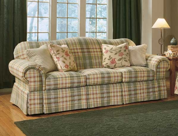 Cottage Floral Sofa Im Getting So I Just Adore Sofas Comprised certainly regarding Country Cottage Sofas and Chairs (Image 10 of 20)