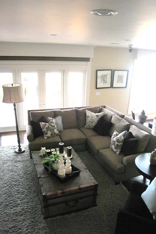 Popular Photo of Coffee Table For Sectional Sofa