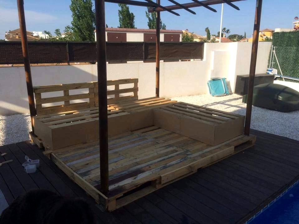 Diy Pallet Outdoor Sofa With Canopy 99 Pallets definitely pertaining to Outdoor Sofas With Canopy (Image 10 of 20)
