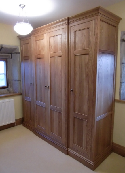 Fitted Oak Bedroom Furniture effectively inside Fitted Wooden Wardrobes (Image 6 of 30)