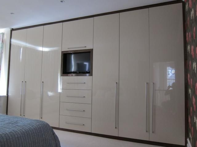 Full Wall Wardrobe Bedroom Pinterest Wardrobes Alcove And clearly with regard to Wall Wardrobes (Image 3 of 20)