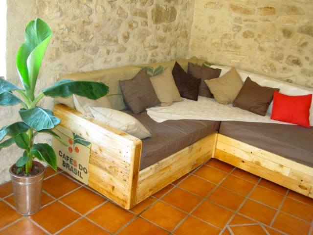 King Size Sofa Made Out Of Pallets Pallet Ideas Pallet properly intended for Diy Sectional Sofa (Image 17 of 20)