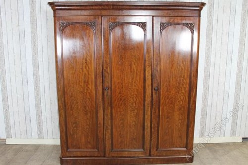 Large Victorian Mahogany Breakfront Wardrobe Antiques Atlas properly inside Victorian Mahogany Breakfront Wardrobe (Image 11 of 20)