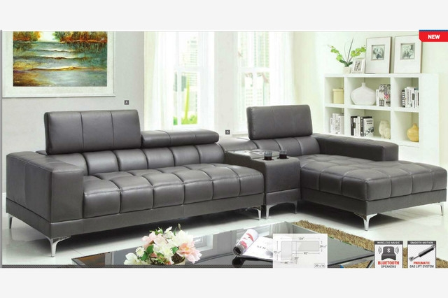 Featured Photo of Gray Leather Sectional Sofas