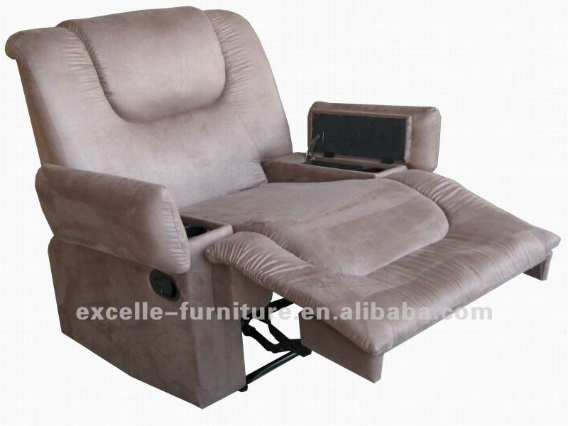 Recliners Chairs With Cup Holders Chesterfield Sofa Recliner clearly in Chesterfield Recliners (Image 16 of 20)