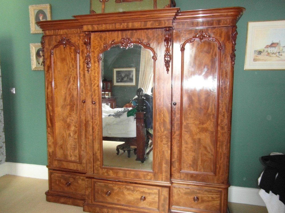 Victorian Mahogany Breakfront Wardrobe 467021 Sellingantiques good intended for Victorian Mahogany Breakfront Wardrobe (Image 10 of 20)