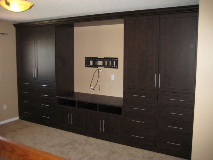 30 Ideas Of Built In Wardrobes With Tv Space