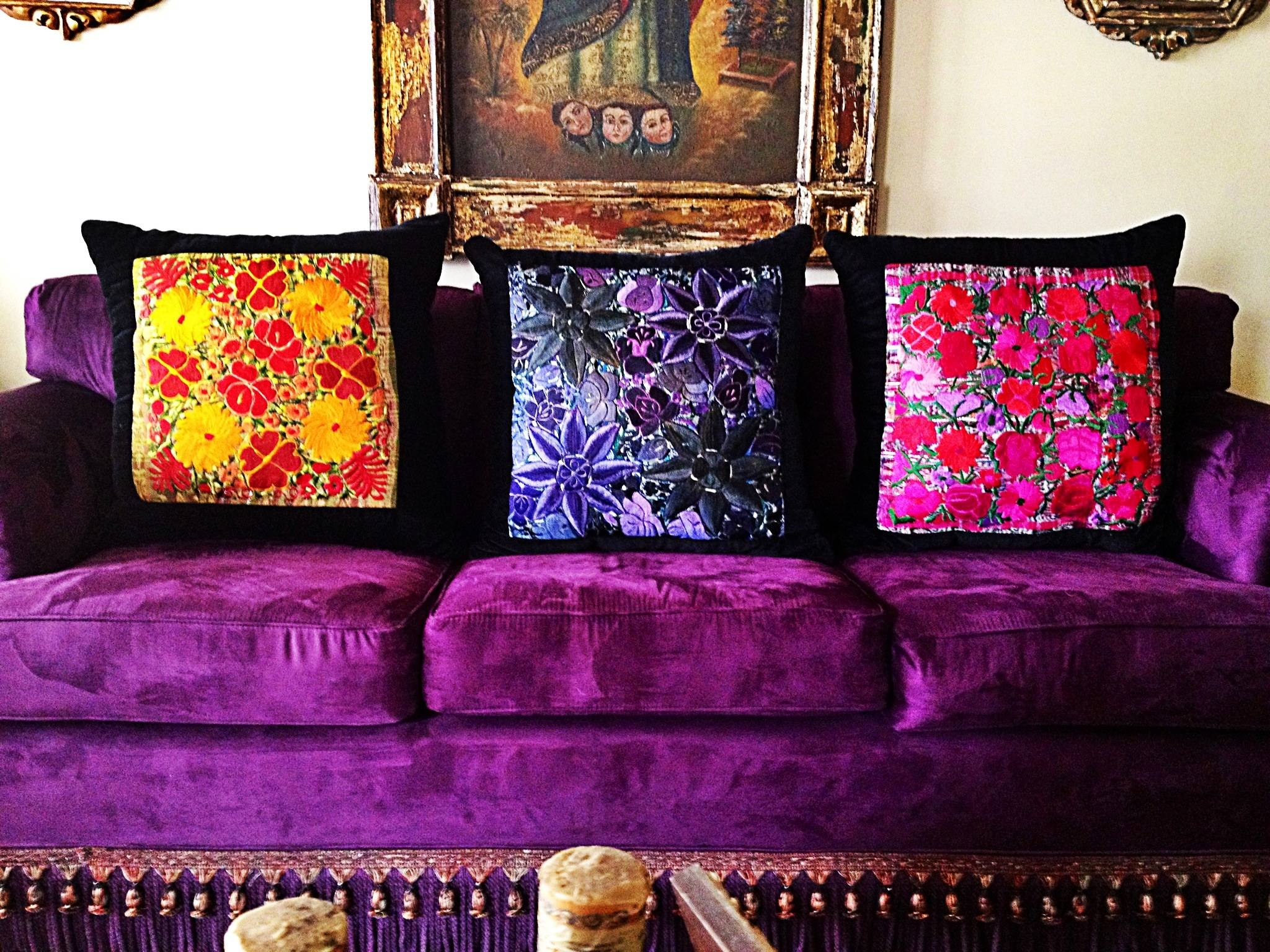 24 ~ Images Astounding Purple Sofa Inspire. Ambito.co pertaining to Velvet Purple Sofas (Image 1 of 30)