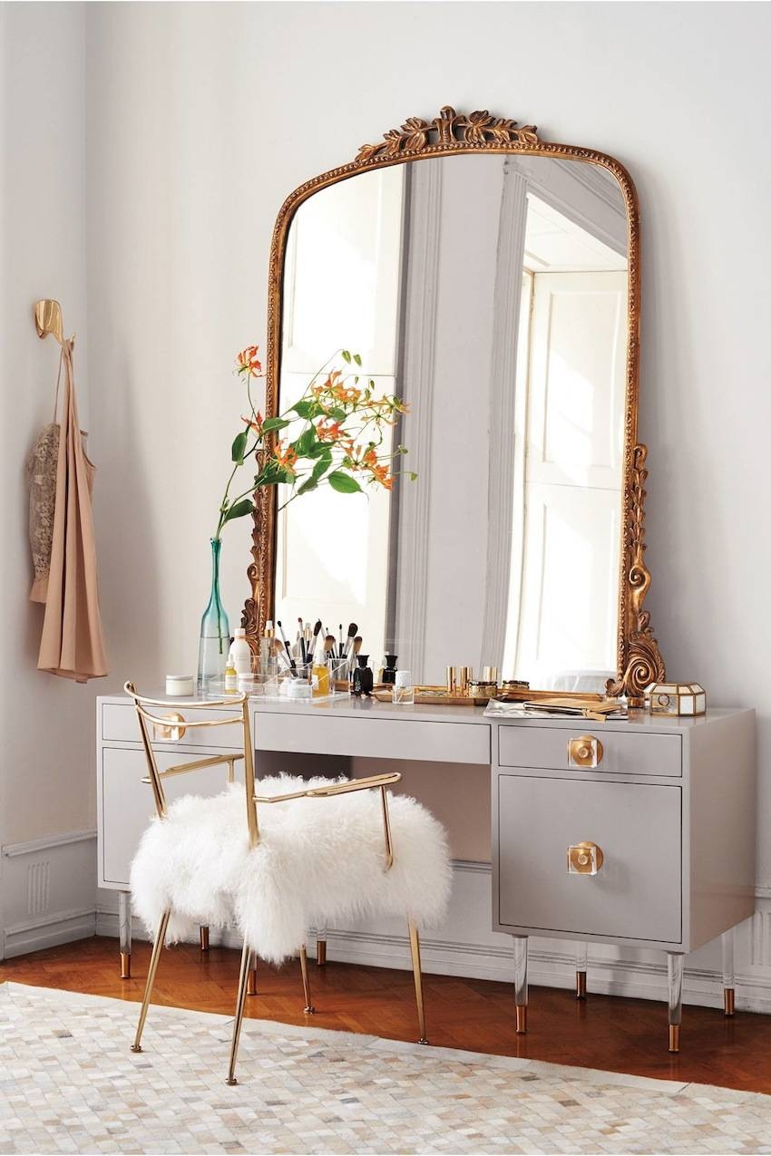 5 Unique Wall Mirrors To Glam Up Your Home Décor with Unique Wall Mirrors (Image 6 of 25)