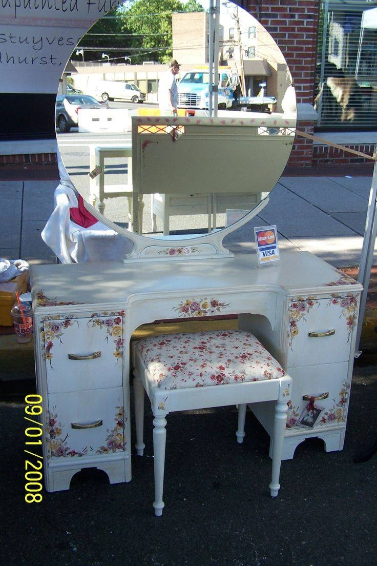 56 Best Vintage Vanity, Dressing Table, Make Up Table, Shabby Chic For Shabby Chic Round Mirrors (Photo 4 of 25)