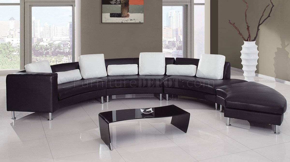 919 Sectional Sofa In Black/white Leatherglobal Furniture With Regard To Black And White Sectional Sofa (View 5 of 30)