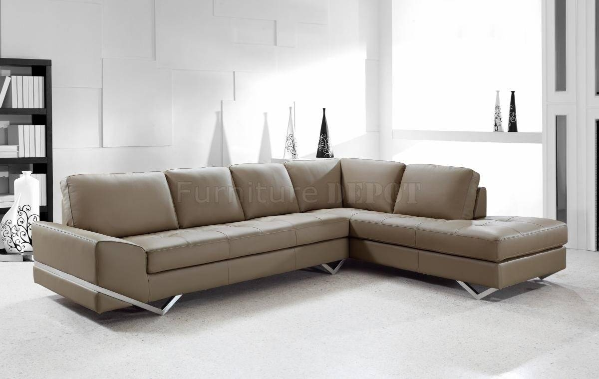 Amazing Long Modern Sofa With Long Island Sectional Sofa White for Long Modern Sofas (Image 4 of 30)