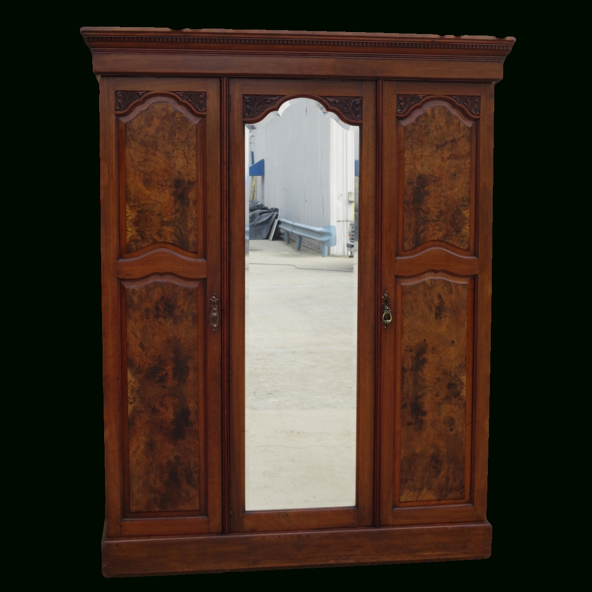 Antique Armoires, Antique Wardrobes, And Antique Furniture From For Old Fashioned Wardrobes (View 1 of 15)