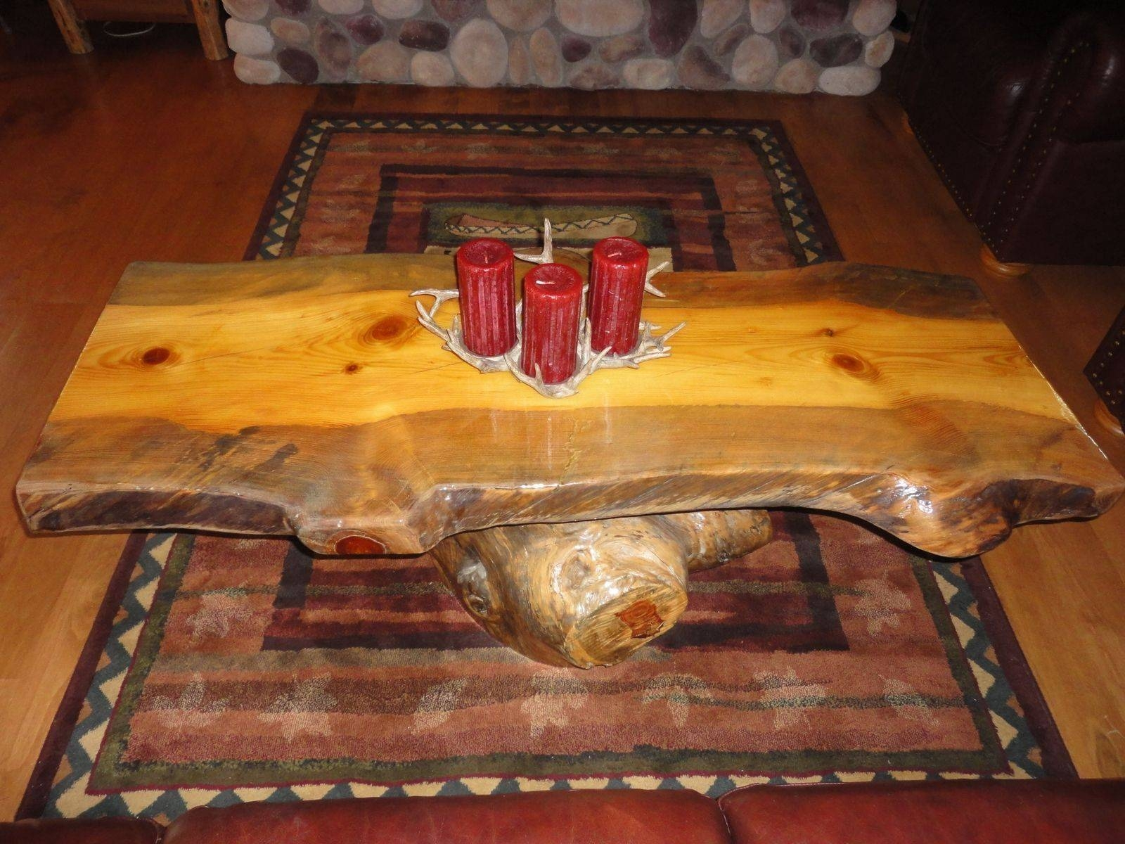 Antique Rustic Trunk Coffee Table : Decorate With Old Rustic Trunk with regard to Antique Rustic Coffee Tables (Image 4 of 30)
