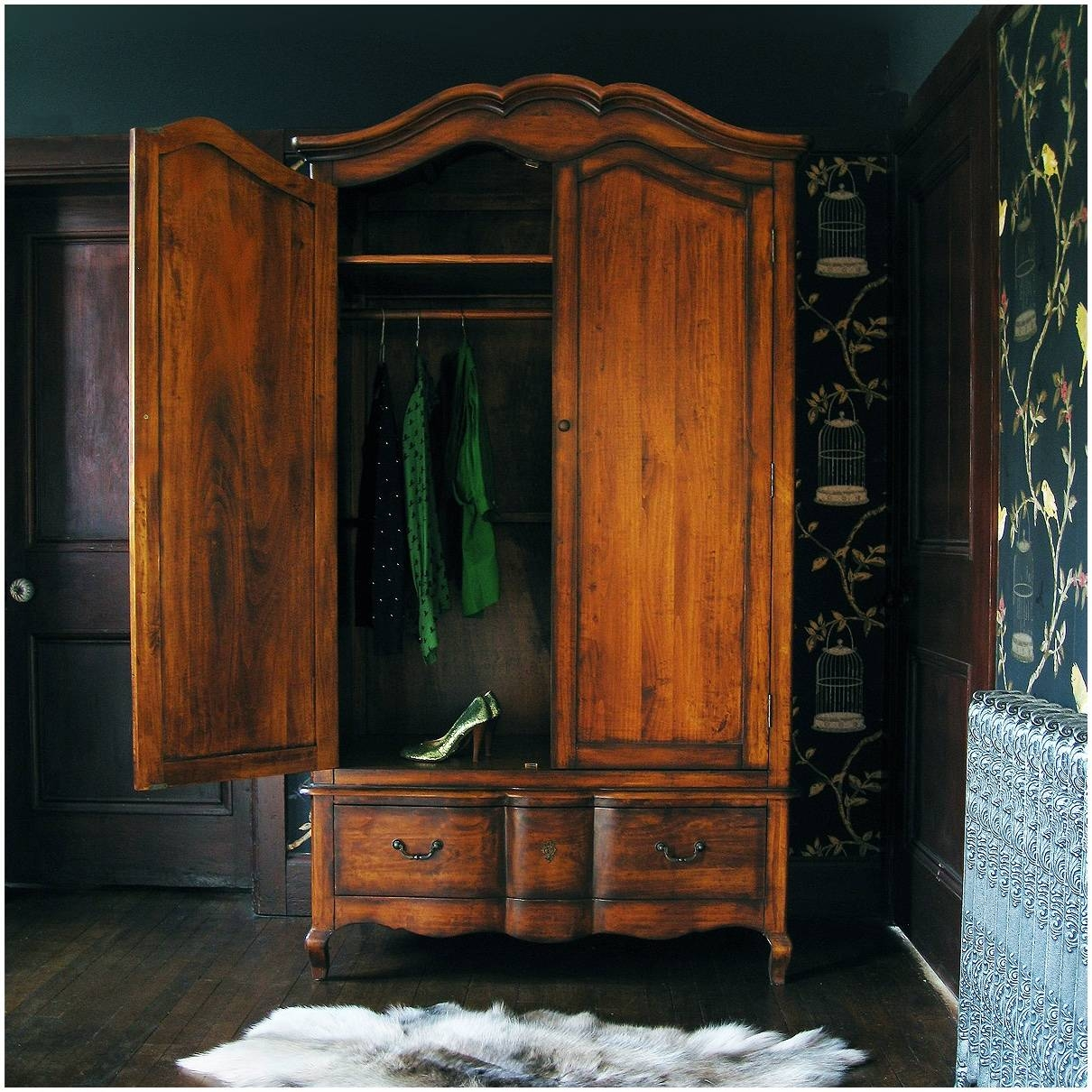 Popular Photo of Old Fashioned Wardrobes