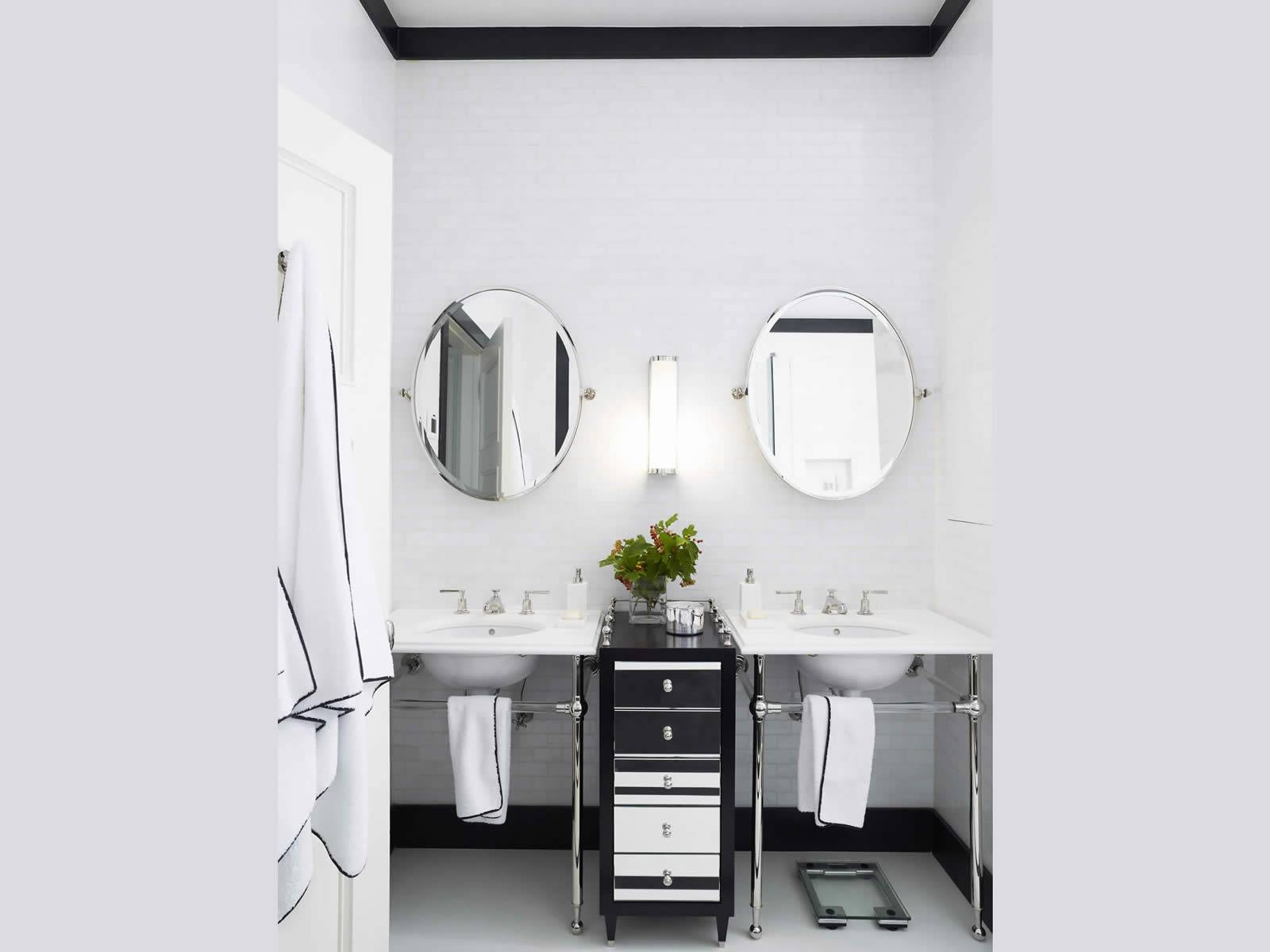 Bathroom: Bring A Touch Of Calm Elegance To Your Bathroom With intended for White Oval Bathroom Mirrors (Image 12 of 25)
