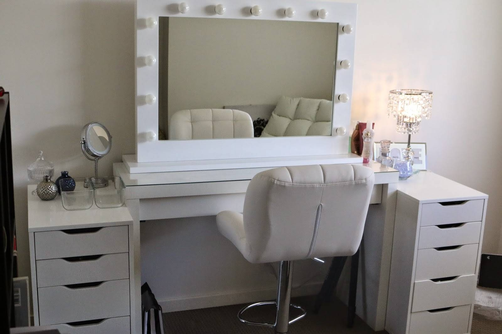 Bedroom. Makeup Vanity Set With Mirror And Lights In White Color within Leather Mirrors (Image 8 of 25)