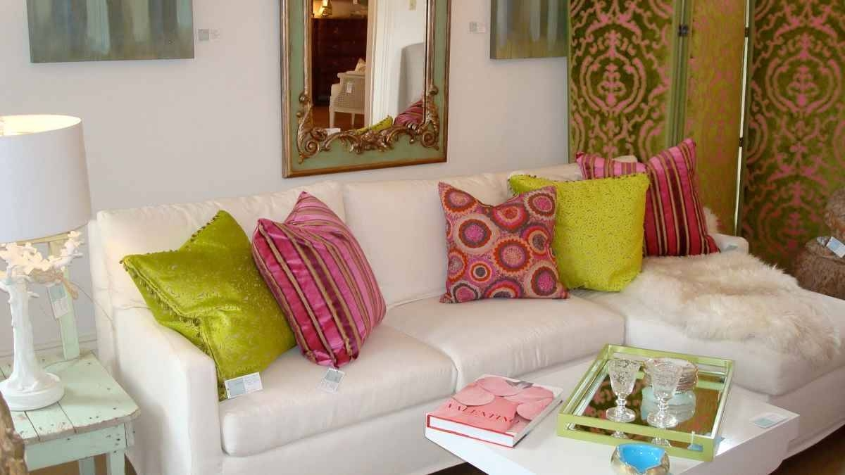 Best Quality Sofa Throws Wonderful Living Room Trend Throw Pillows throughout Throws For Sofas And Chairs (Image 3 of 15)