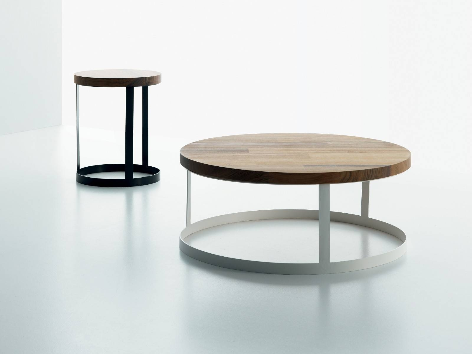 Best Round Metal And Glass Coffee Table With Small Round Coffee regarding Round Storage Coffee Tables (Image 2 of 30)
