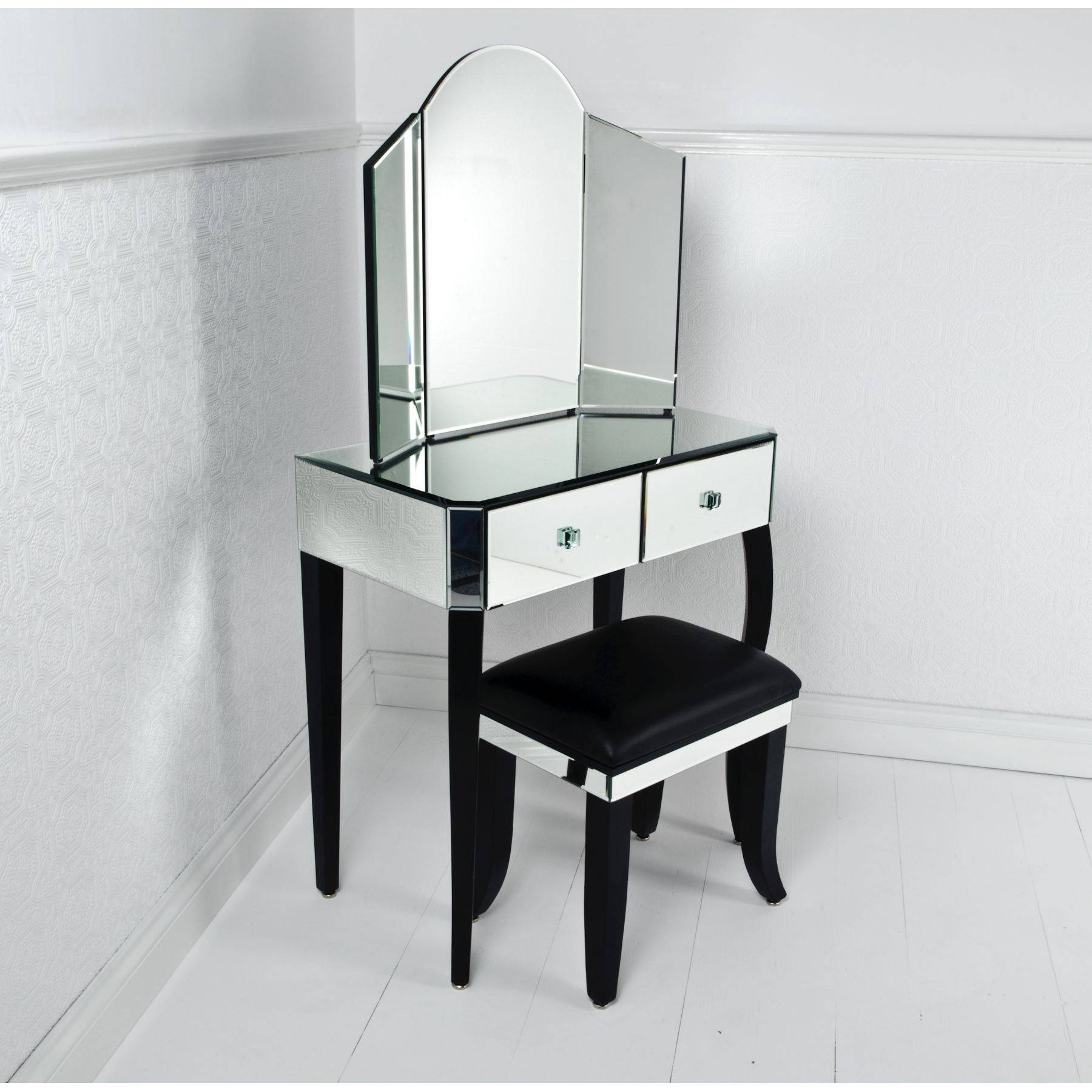 Featured Photo of Black Dressing Mirrors