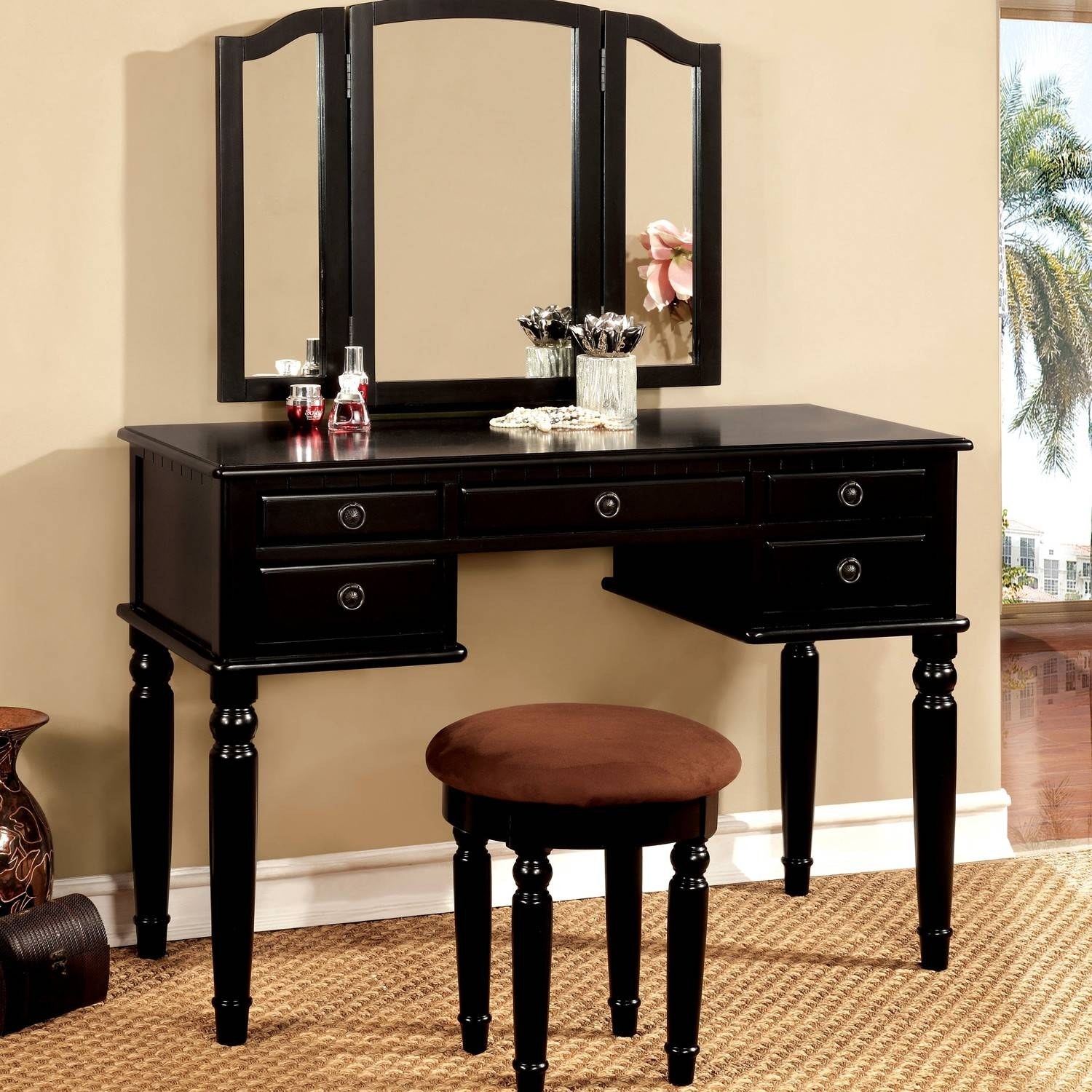 Black Gloss Dressing Table With Mirror | Creative Vanity Decoration with regard to Black Dressing Mirrors (Image 19 of 25)