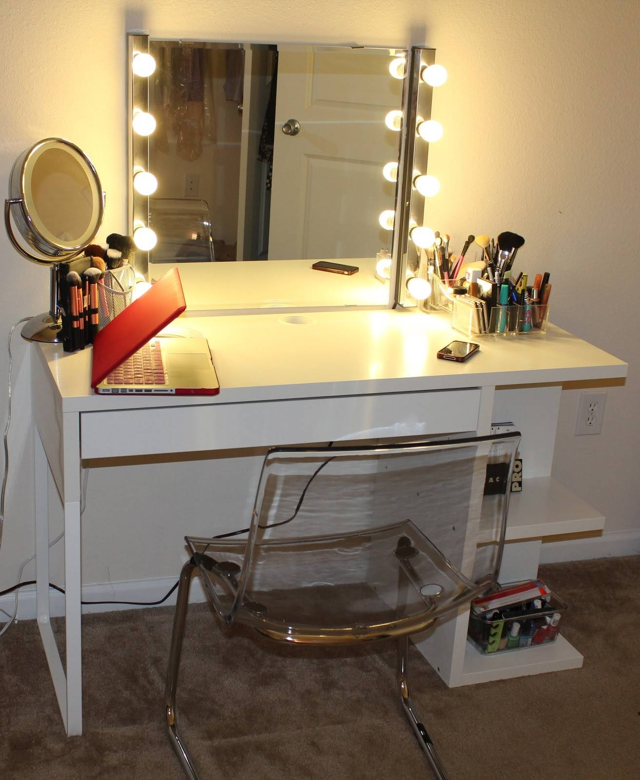 Breathtaking Square Makeup Mirror With Lights Chrome Round Table with regard to White Metal Mirrors (Image 8 of 25)