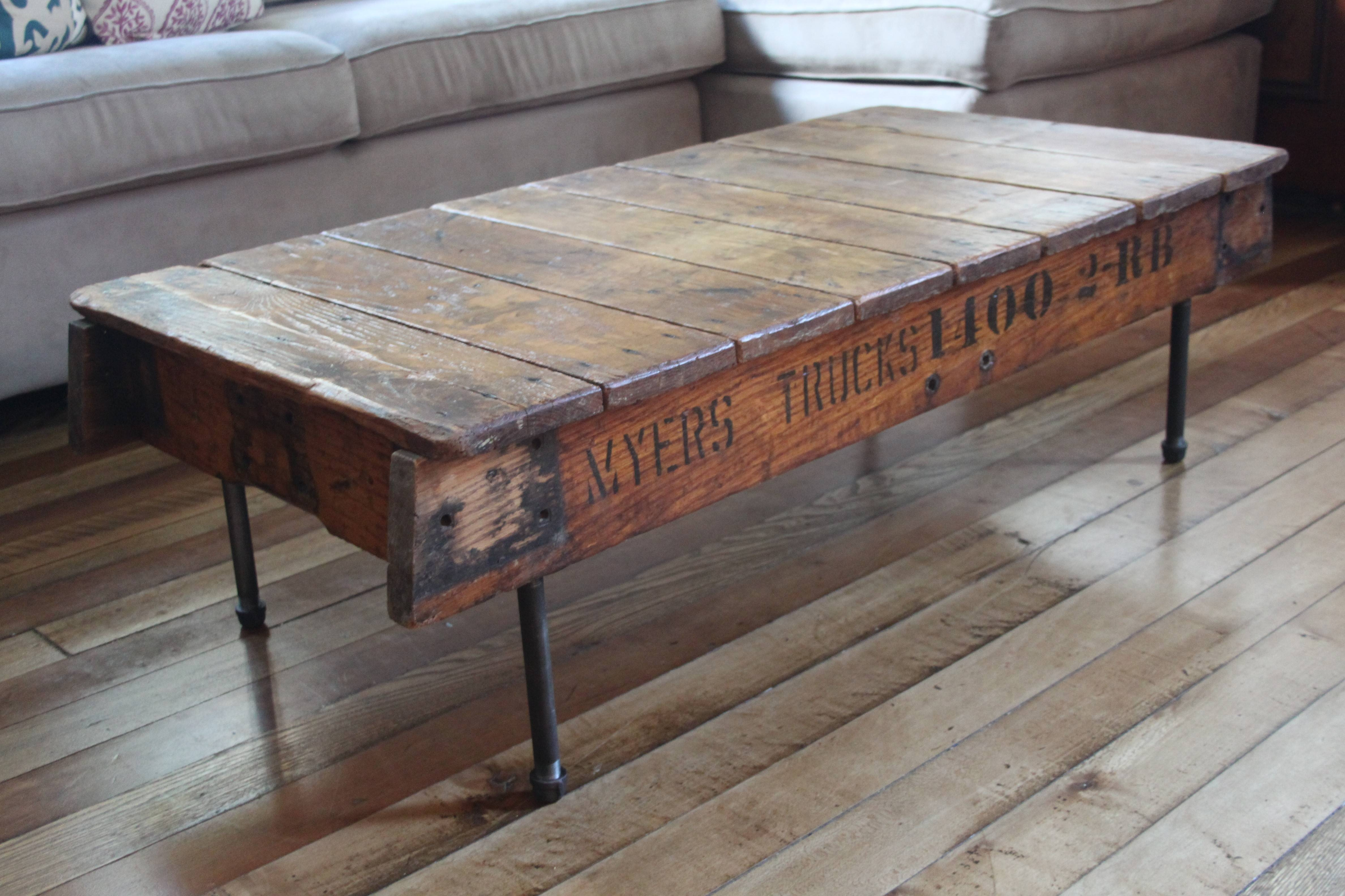 2017 Popular Reclaimed Wood and Glass Coffee Tables