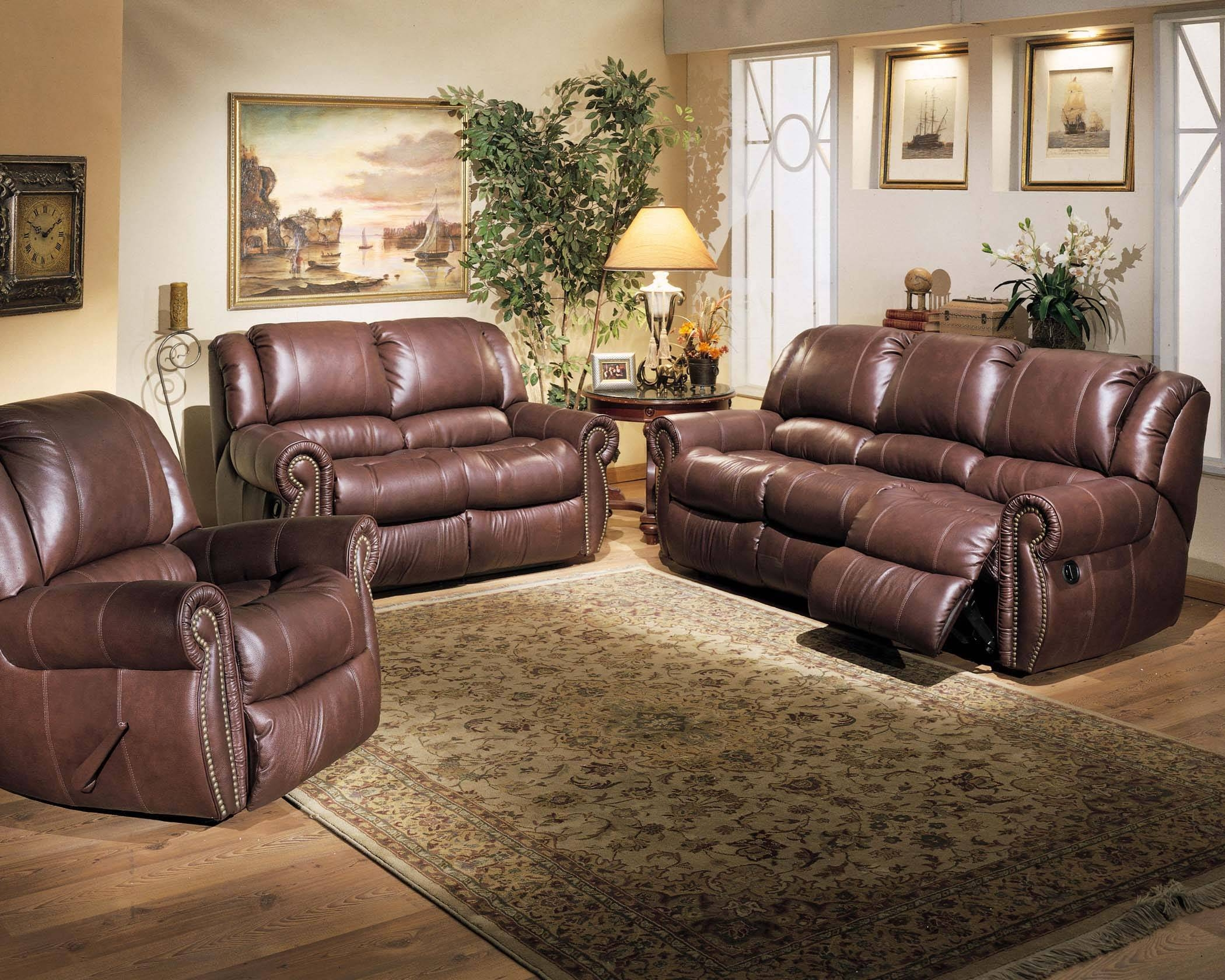 30 Best Collection of Traditional Leather Couch