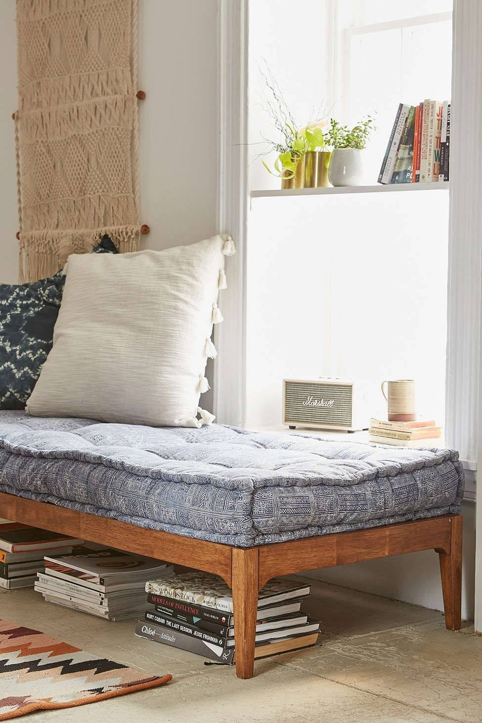 Can You Replace A Sofa With A Daybed? – Decorating – Lonny With Sofa Day Beds (View 8 of 30)