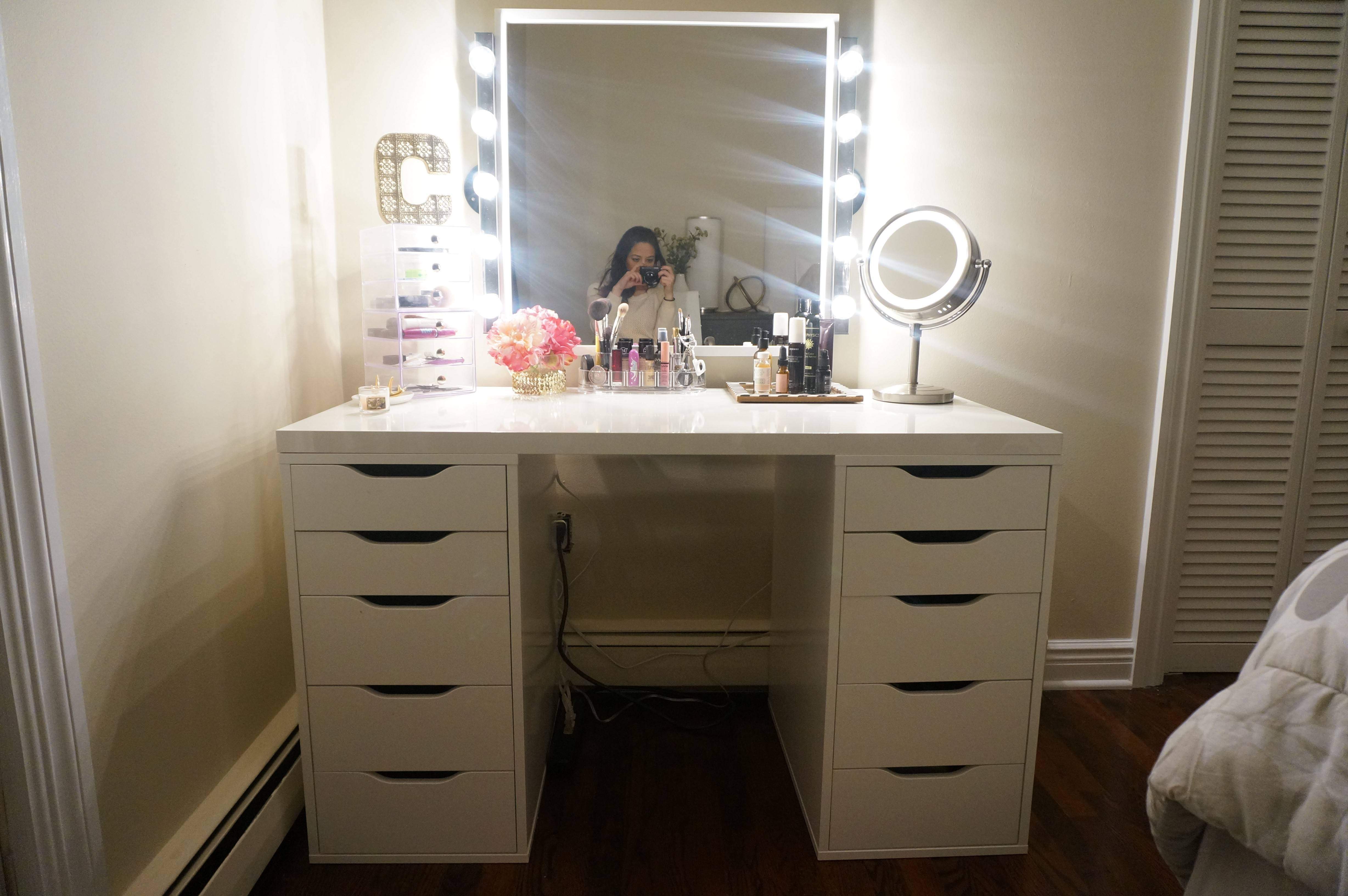 Cheap Vanity Table With Mirror And Lights | Creative Vanity Decoration inside Illuminated Dressing Table Mirrors (Image 11 of 25)